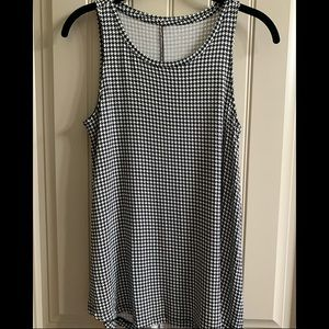 Apt 9 houndstooth tank top